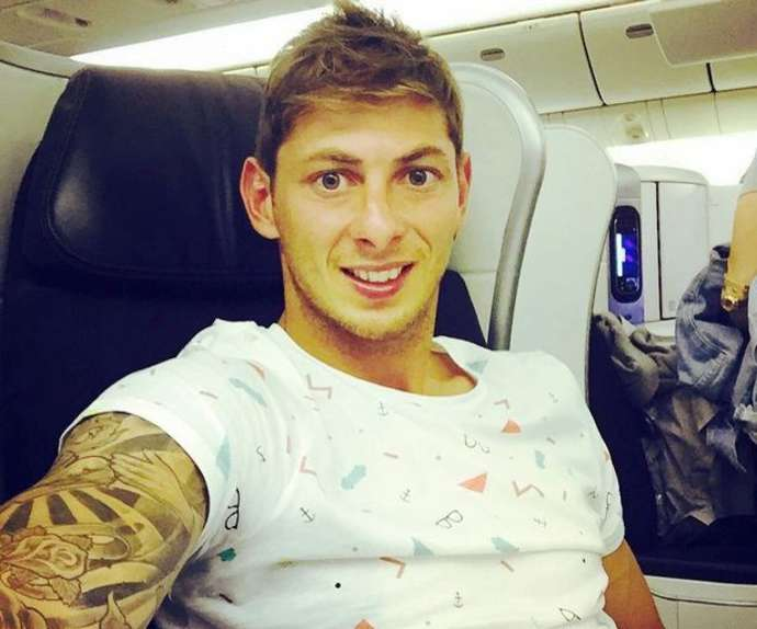 Last audio from Emiliano Sala told friends in whats app  before taking off