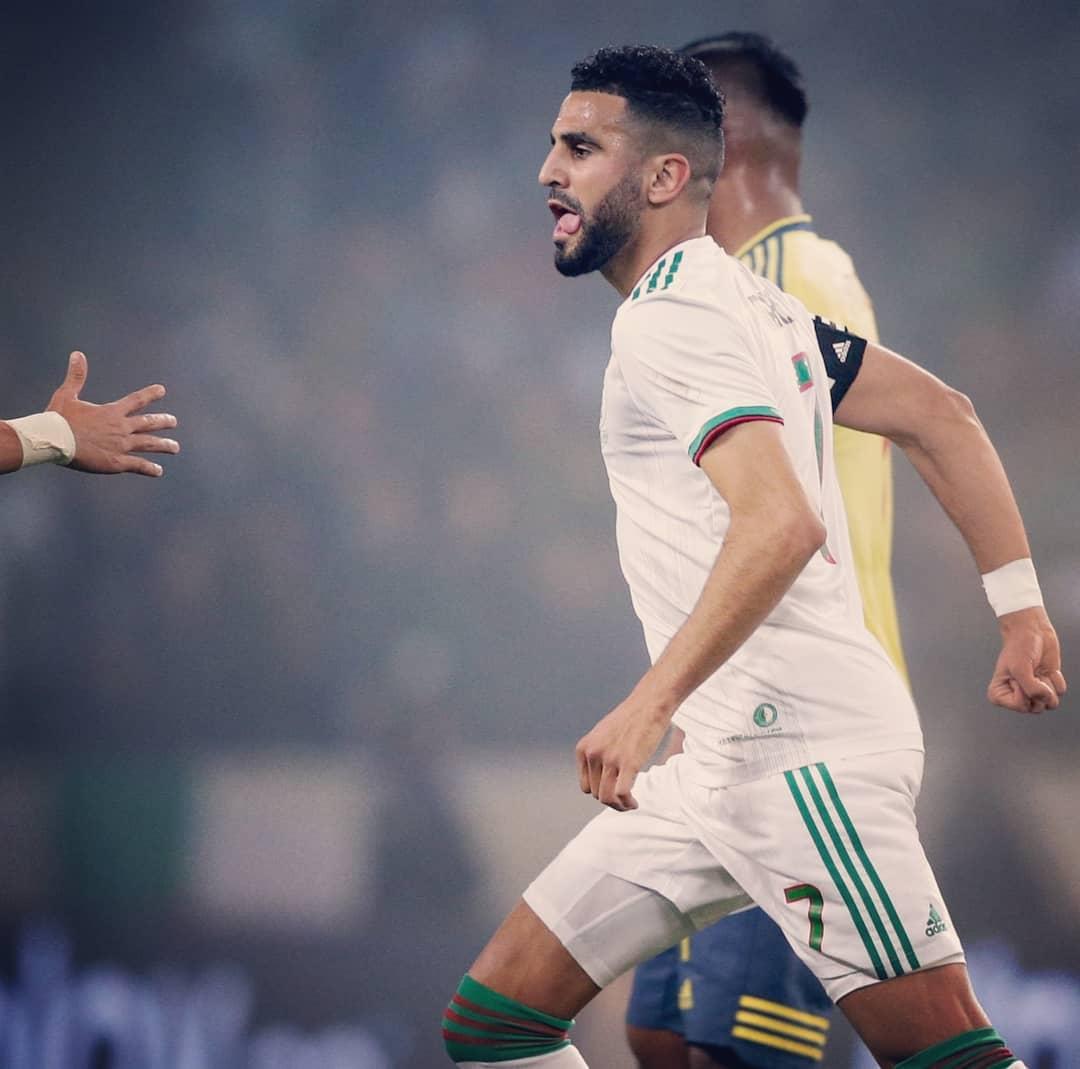 الجزائر تقصو على كولومبيا بثلاثية في مباراة ودية