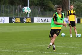 Pulisic: Chelsea sign Borussia Dortmund forward for ?58m
