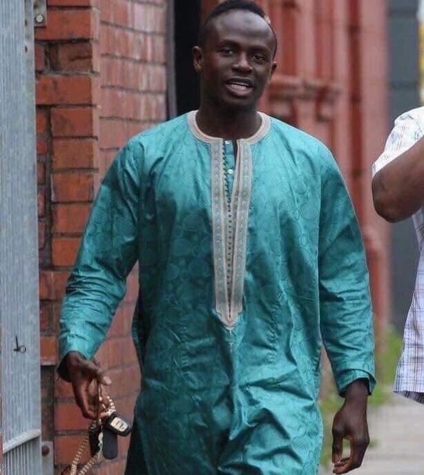 ساديو ماني اللاعب السنغالي المسلم