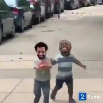 محمد صلاح ينشر فيديو مضحك يجمعه مع ماني
